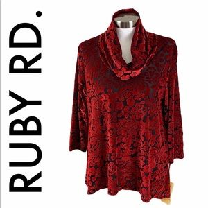 RUBY RD. NWT RED BLACK VELVETY TOP SIZE PETITE L